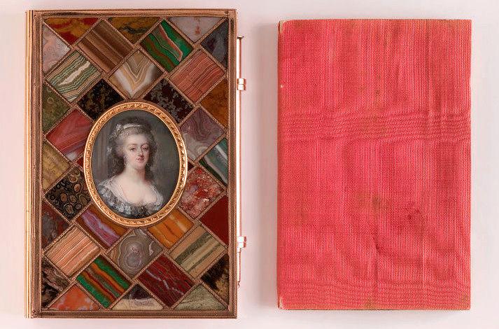Portraits de Marie-Antoinette sur les boites et tabatières Marie_29