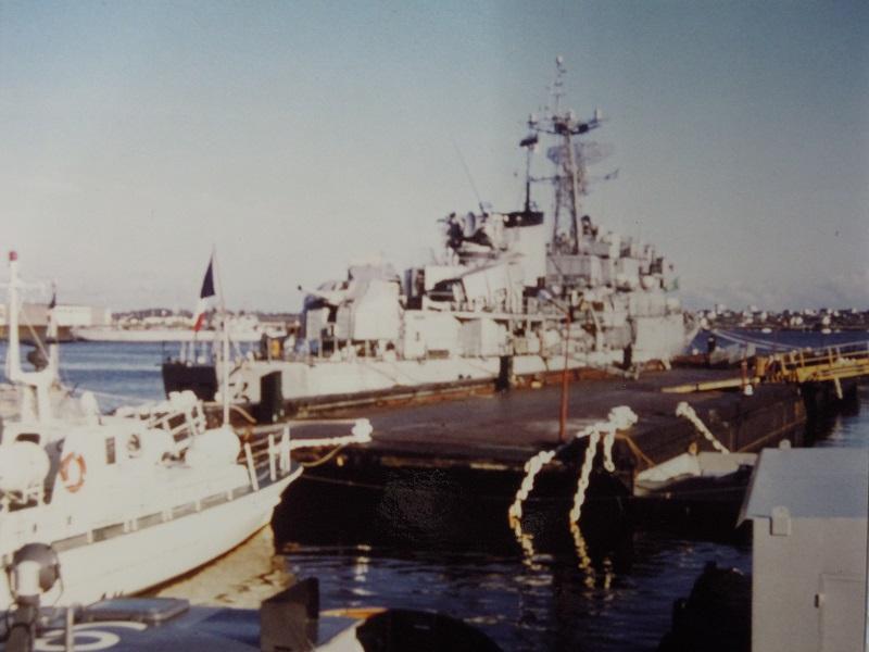 Aviso-escorteur Cdt Rivière - 1/400 L'Arsenal - Djibouti 1978 Dscn1118