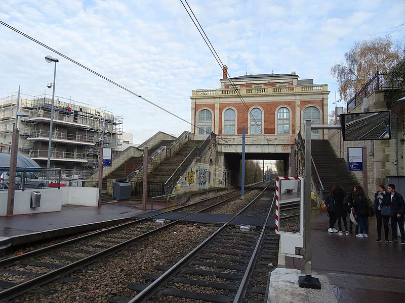 Gare perchée Gare_d10