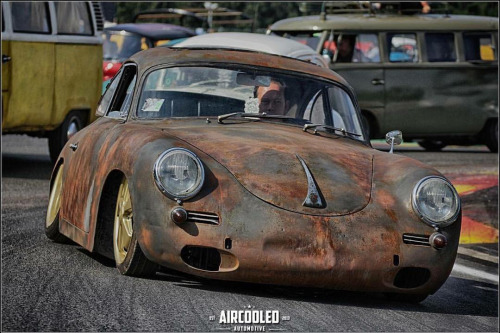 Photos de Porsche à restaurer - Page 6 9d8ee411