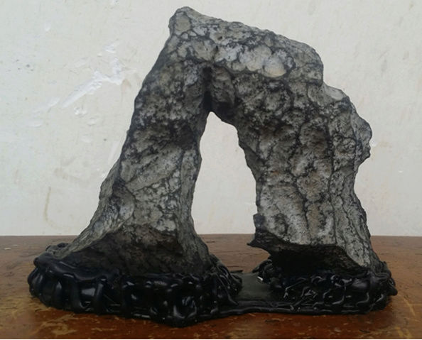you can make simple stands for your small stones within one hour by yourself Ba_yin11