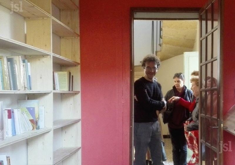 Une mini-bibliothèque voit le jour Pierre10