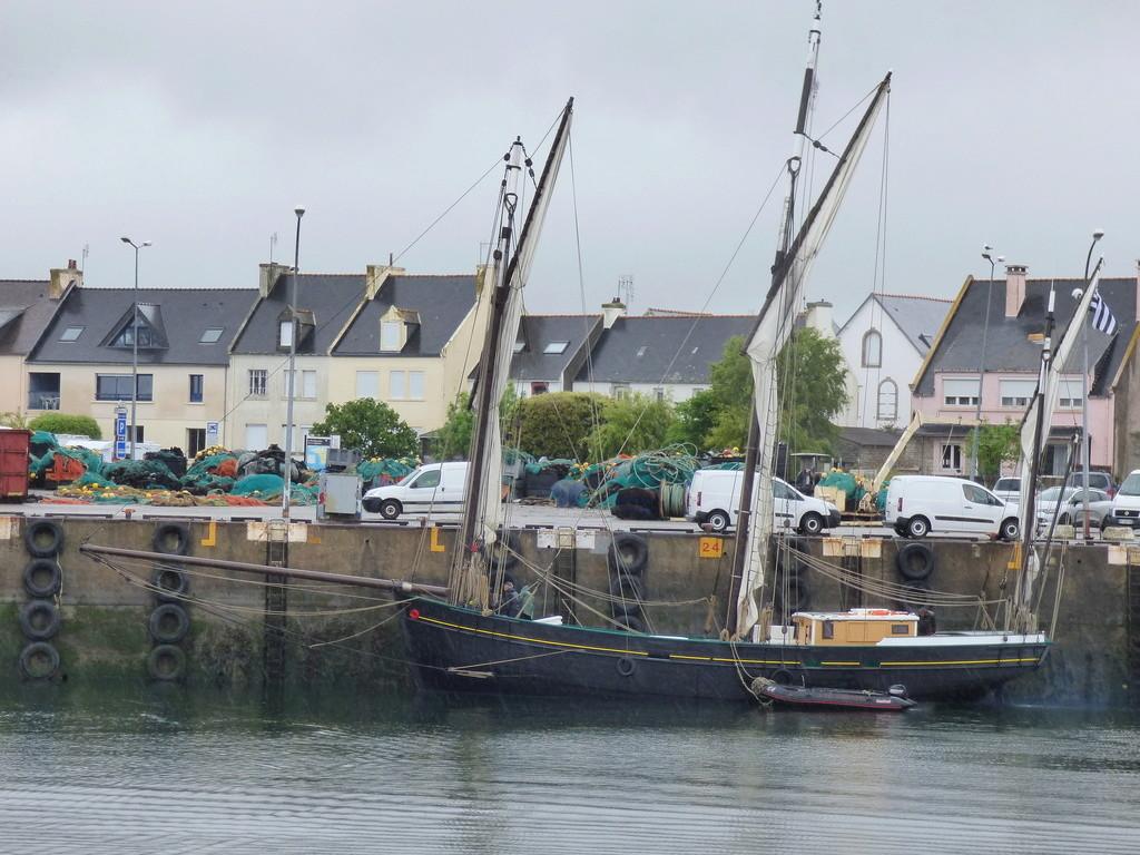 [Activité des ports] Le Guilvinec - Page 7 P1050410