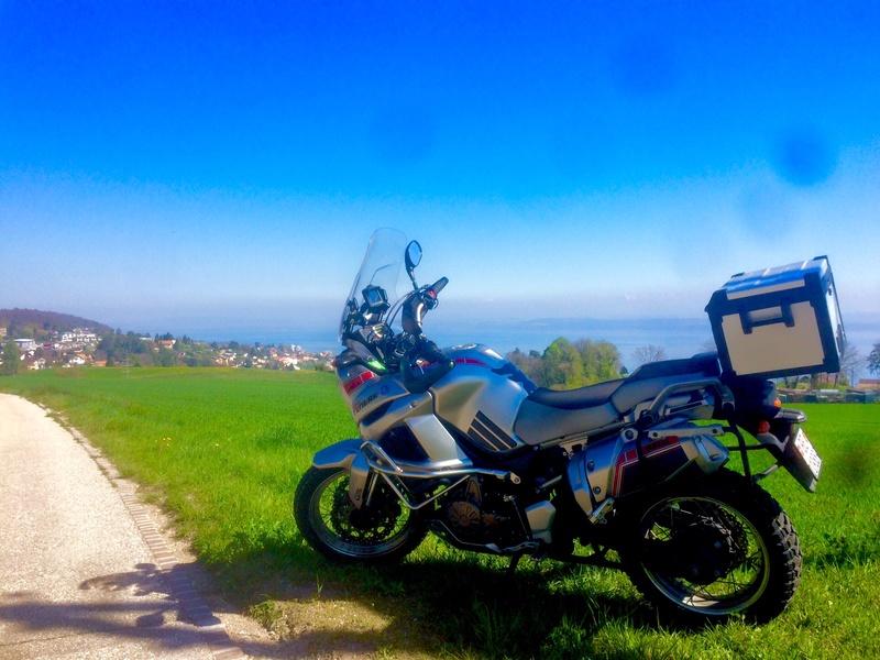 Vos plus belles photos de moto - Page 13 Lac_ne10