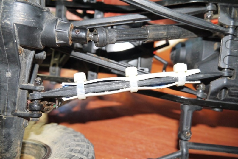 rubicon - Reinforcing the links of a standard RTR SCX10 Jeep Rubicon Reinfo10