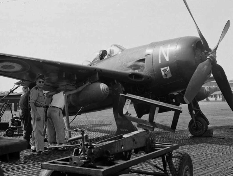 """F8F1 """"M"""" Bearcat à DBP 1953/1954 Le DIORAMA est fini - Page 4 Bearca10"""