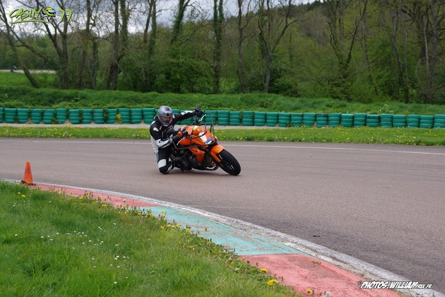 roulages motos, piste, circuit - Page 3 Img_8613