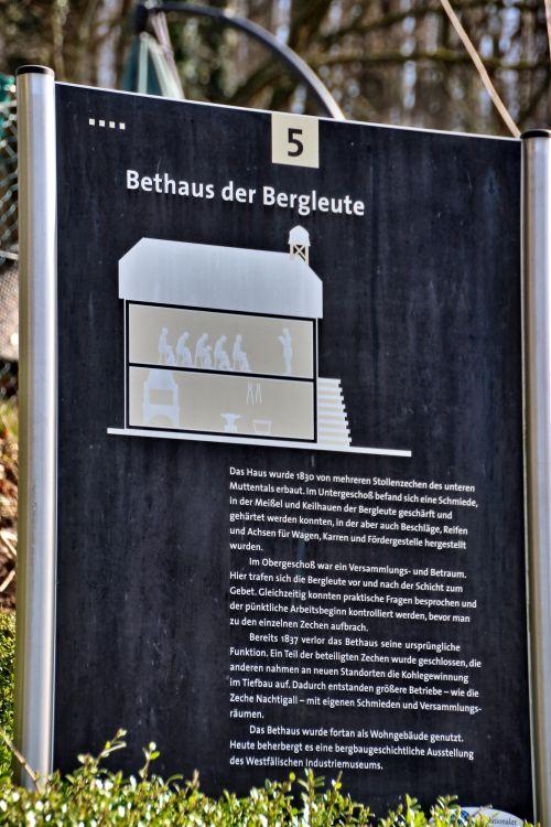 Bergbauwanderweg Muttental 1011