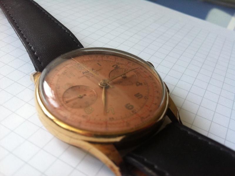 Jaeger - [Ici TOPIC des demandes d'IDENTIFICATION et RENSEIGNEMENTS de vos montres] - Page 37 Photo_12