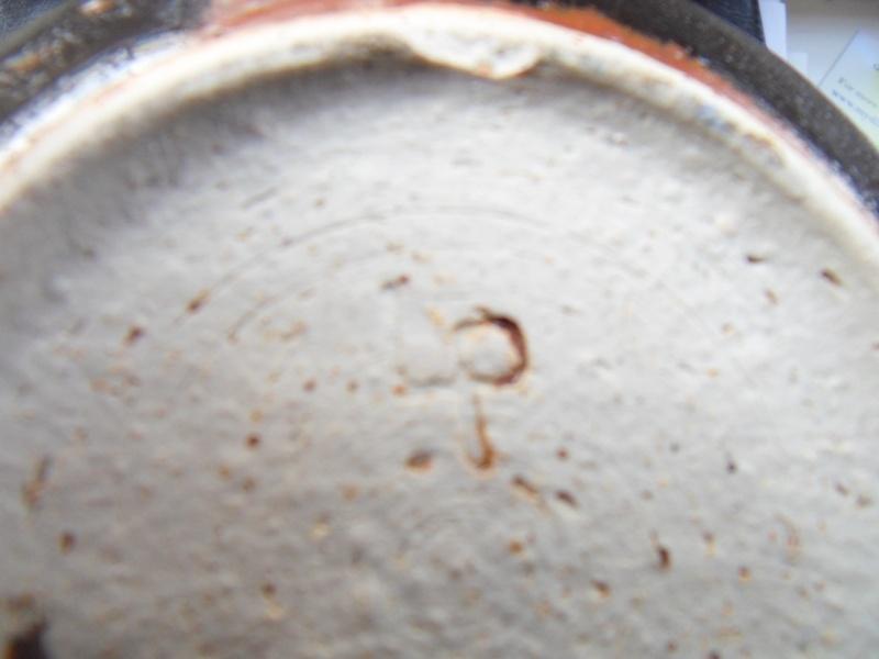 Spherical vase with odd Lp mark, any ideas? Sdc10818