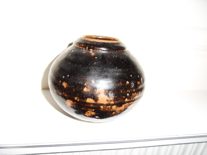 Spherical vase with odd Lp mark, any ideas? Sdc10821