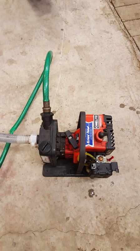 Pompe à essence 20170318