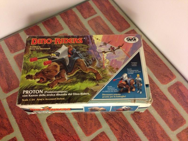 Dino Riders Proton - Protoceratopus -  M.I.B. - GIG      60 € + spedizione. Proto_10