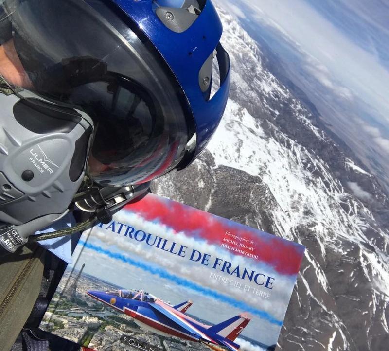 """Patrouille de France """"entre ciel et terre"""" 18033810"""