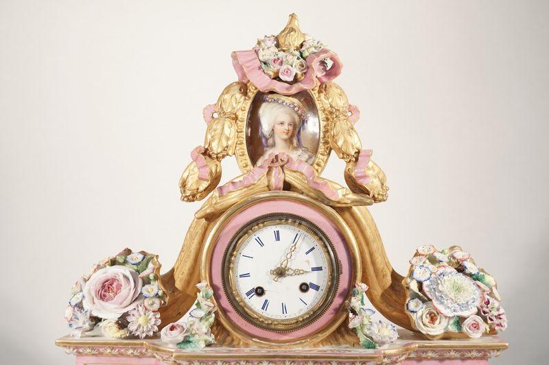 A vendre: meubles et objets divers XVIIIe et Marie Antoinette - Page 7 14920010