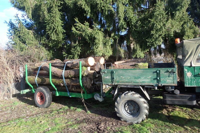 Unimog 411 et remorque forestière Sam_1413