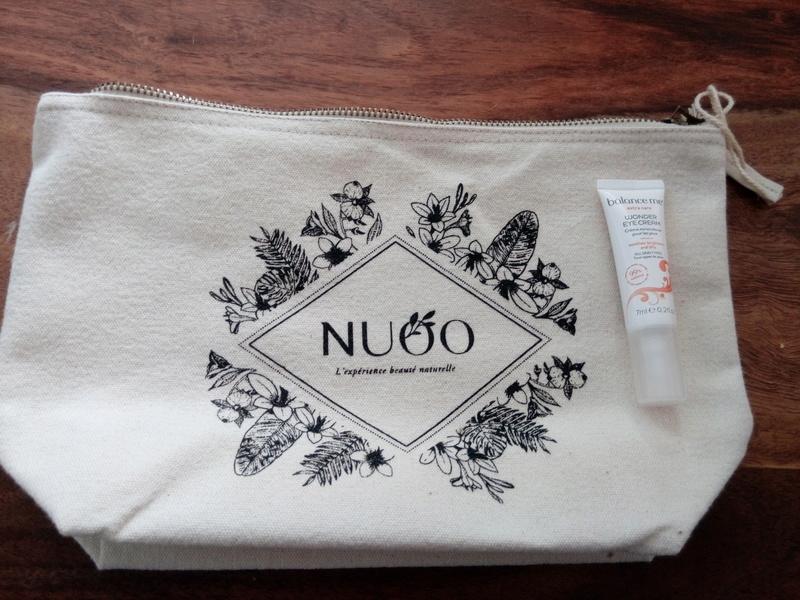 Nuoo shop, les trousses beauté  Img_2015
