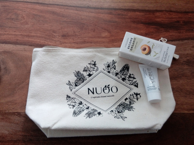 Nuoo shop, les trousses beauté  Img_2017