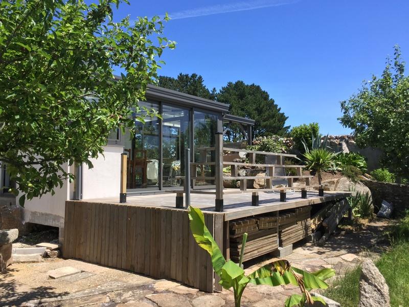 Terrasse en bois d'arbre Img_5812