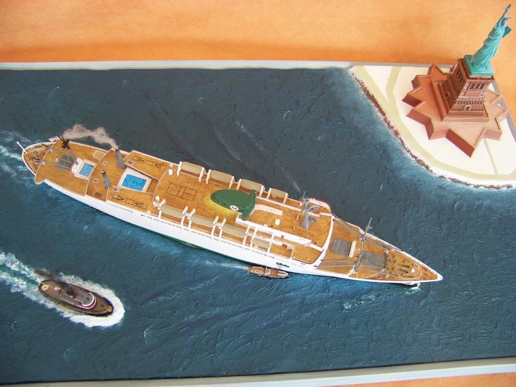 Paquebot mixte SS Brasil au 1/400 Revell  - Page 4 100_9413