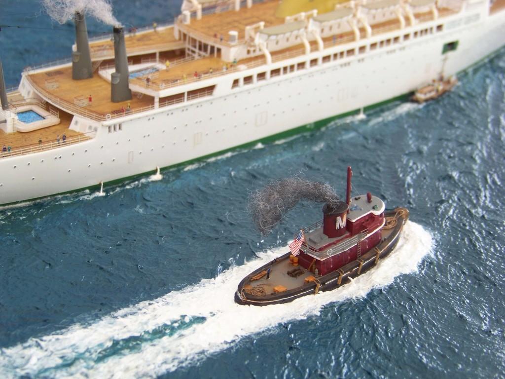Dio : Arrivée à NYK du SS Brasil & remorqueur (Revell 1/400°) par PLEF 100_9426