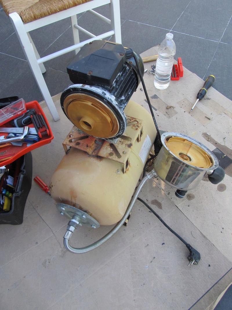 fuite sur ma pompe à eau - demande d'aide Pompe_11