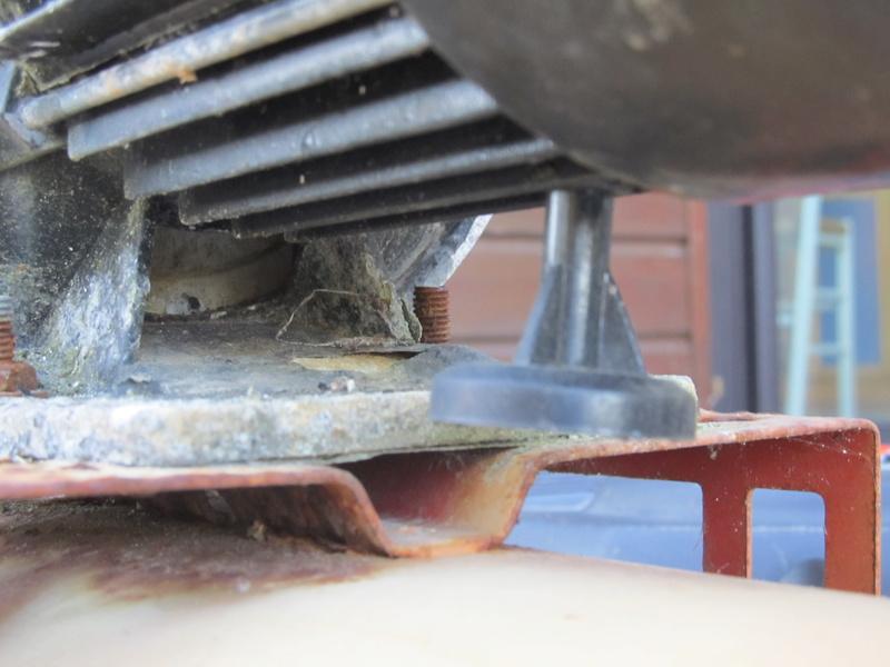 fuite sur ma pompe à eau - demande d'aide Pompe_12