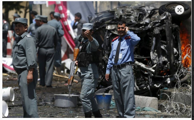 تفجير سيارة مفخخة يستهدف قاعدة جوية في شرق أفغانستان 24-04-10
