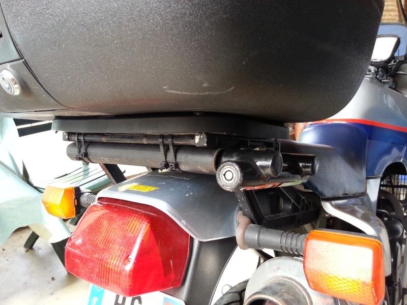 """fabriquer support de  """"U"""" (exterieur) de porte bagage toute moto: ici dov 650 20140511"""