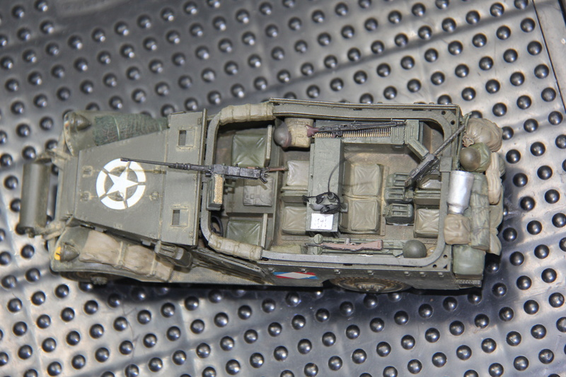 White scout car M3A1 RICM  9eme DIC -binôme de la coloniale 00412
