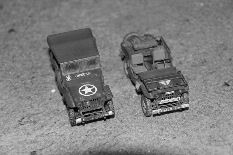 Jeep de cinéma finie et duo de petites françaises - Tamiya 1/35 00813