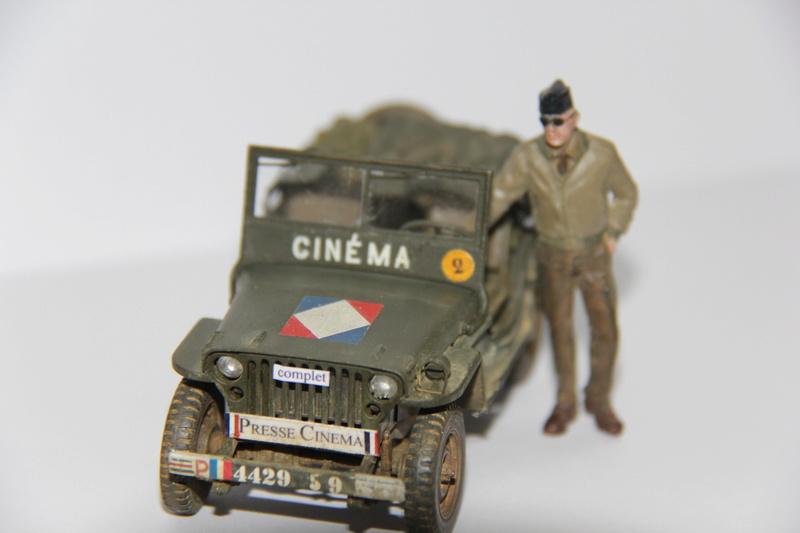Jeep de cinéma finie et duo de petites françaises - Tamiya 1/35 01610