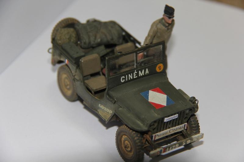 Jeep de cinéma finie et duo de petites françaises - Tamiya 1/35 01811