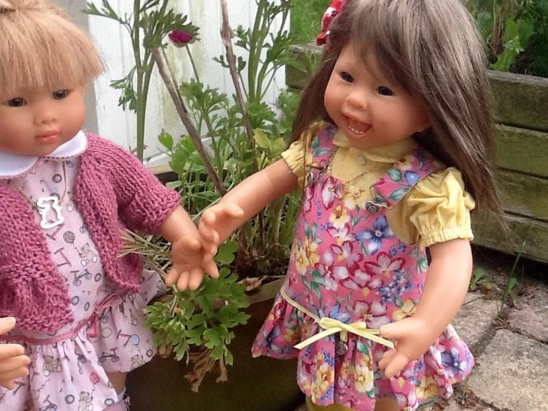Eléanor présente ses copines : Sandy et Joséphine ,(21/05) Image30