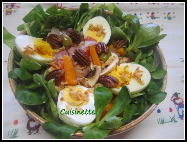 Sur un nid de mâche.œufs/légumes.4. Img_4910
