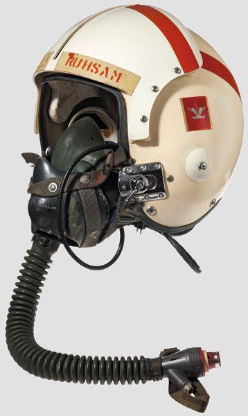 Casque d'un as du VMF-323  Death Rattlers USMC JOHN W RUHSAM Img_3914