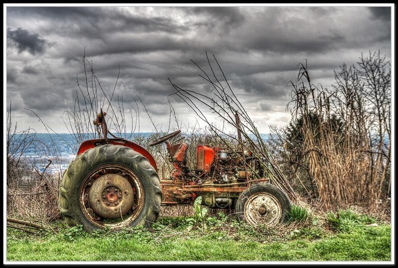 Tracteur à l'abandon... + correction Tracte11