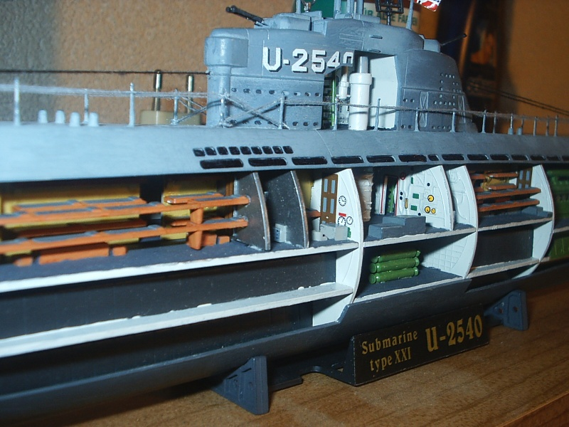 U boot typ xxi mit interieur fertig for Deutsches u boot typ xxi mit interieur