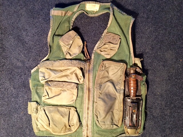 Pilot vest and knife Img_3816