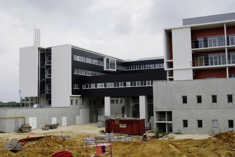 Avant l'hôpital était un chantier ! _igp3314