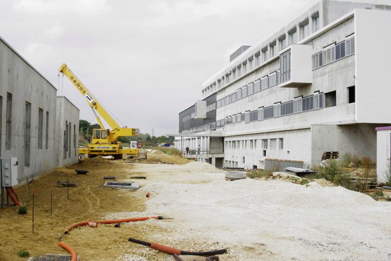 Avant l'hôpital était un chantier ! _igp3412