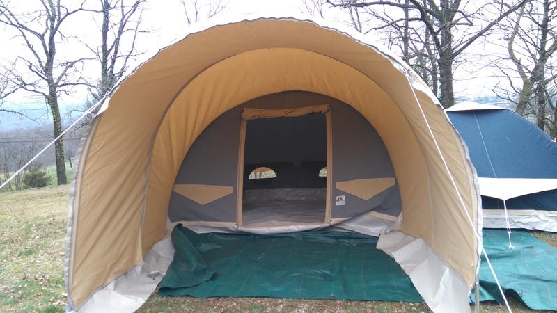recherche une tente facile à monter - Page 3 Dsc_0113
