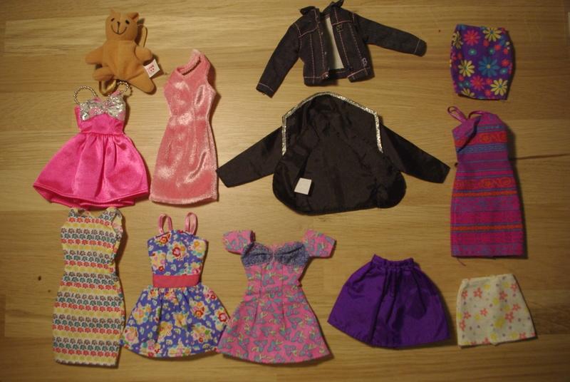 Des habits et autres trucs inconnus Barbie10