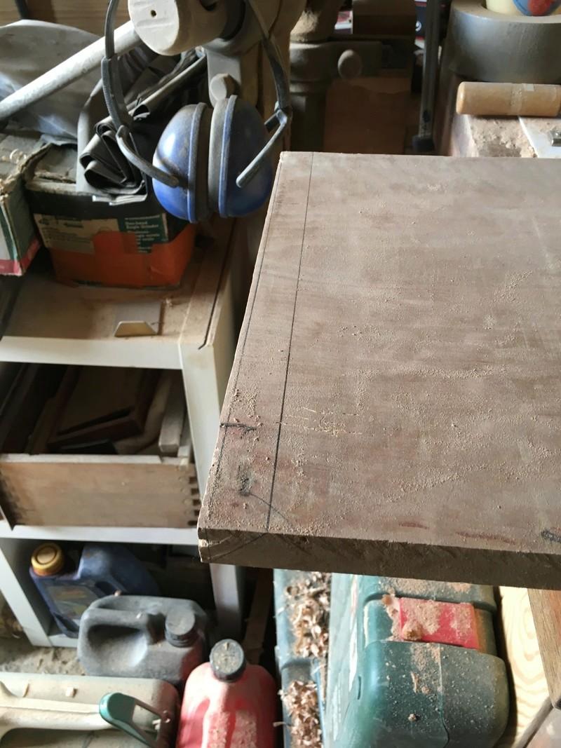Une console de canapé Img_0613