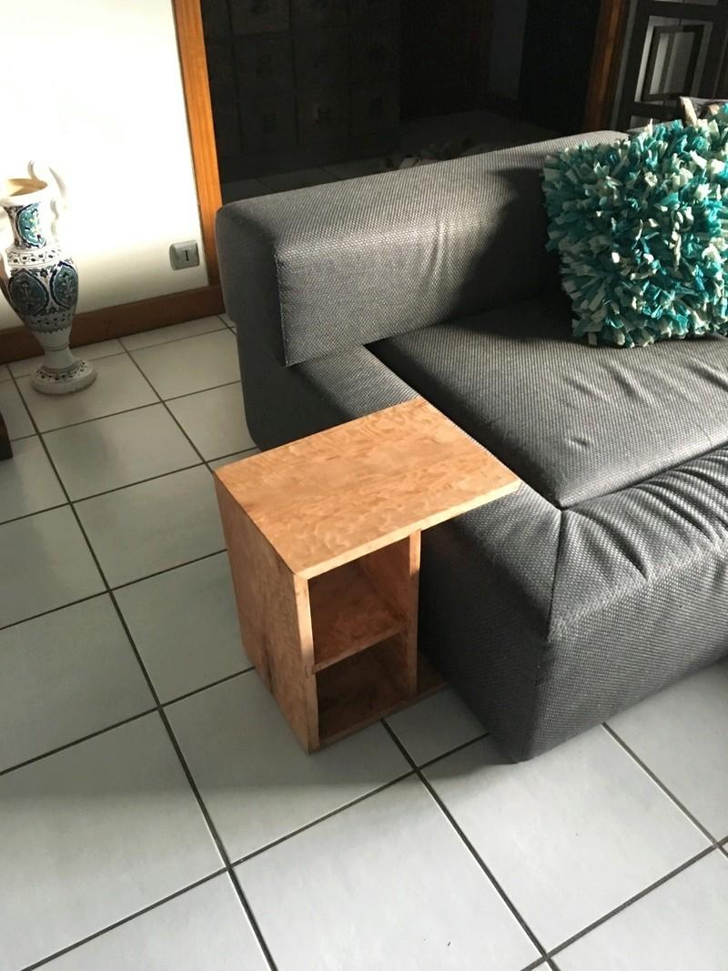 Une console de canapé Img_0630
