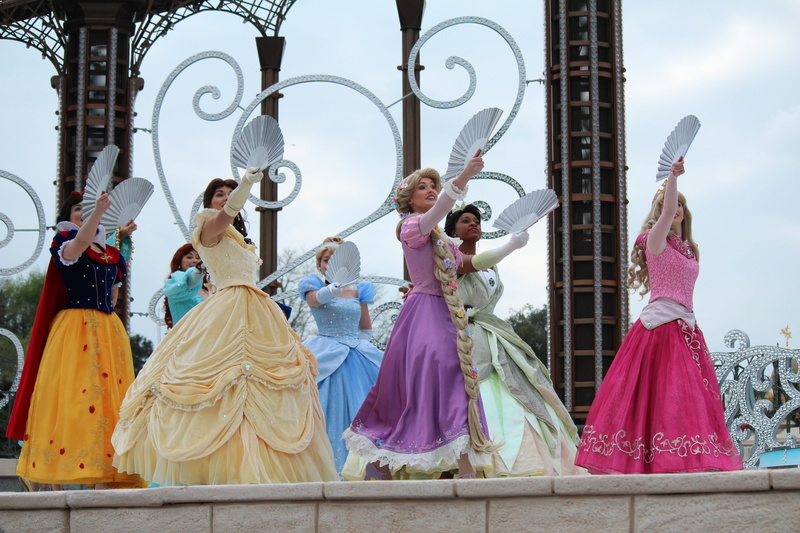 Vos photos avec les Personnages Disney - Page 2 Img_0227