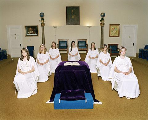 Les Filles de Job, une organisation maçonnique qui recrute les fillettes dès l'âge de 10 ans Fm-job11