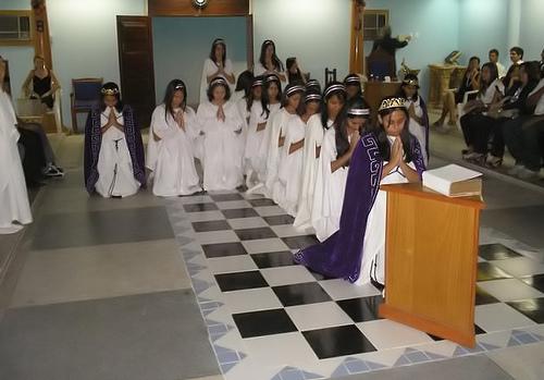 Les Filles de Job, une organisation maçonnique qui recrute les fillettes dès l'âge de 10 ans Fm-job15