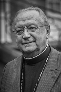 Pour nous raffraîchir la mémoire Mgr Joseph Doré: la résurrection et à la réincarnation  Joseph11