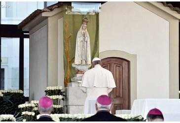 François et le message de Fatima encore des hérésies Pape-f17